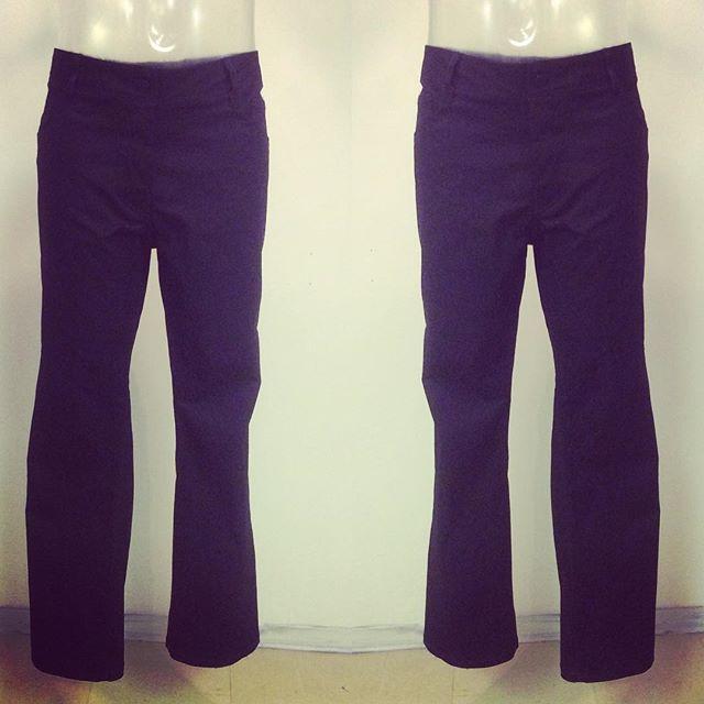 Måttbeställda jeans. Husets design. All arbete utförd i Ateljé Sari. Svart bomulls Twill. Välkommen att beställa dina egna.Din Skräddare i Helsingborg