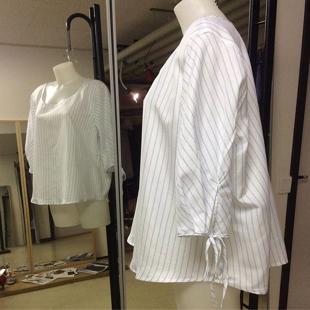 Fantastiskt tyg från England blev till något nytt i garderoben för våren. Design och all arbete utförd av Ateljé Sari.Vill du ha hjälp för att designa nytt för din garderob så är jag redo 🤗 Din Skräddare i Helsingborg