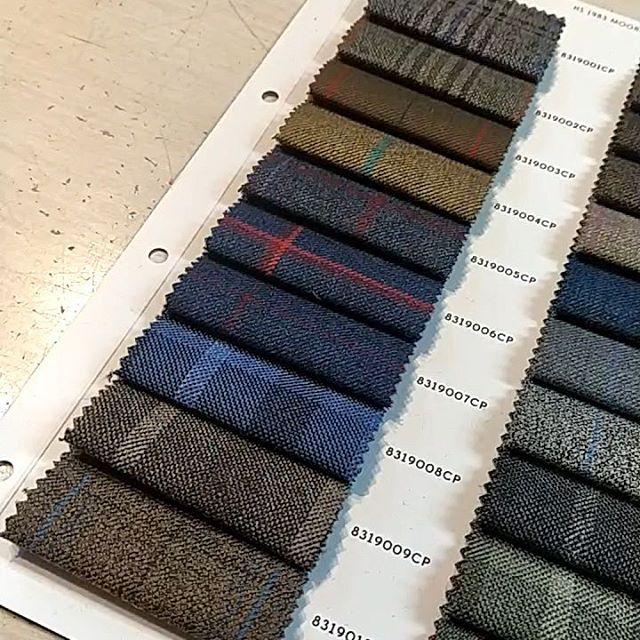 Moorland tweeds och Harris tweeds från Holland&Sherry Vi erbjuder från mått till färdigt. Välkommen att boka din tid.