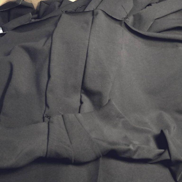 Sömmar i det dolda hela vägen. Underkläder är något som kan vara en viktig del av att känna sig rätt klädd. Något som sitter rätt och inte klämmer. Din Skräddare i Helsingborg.